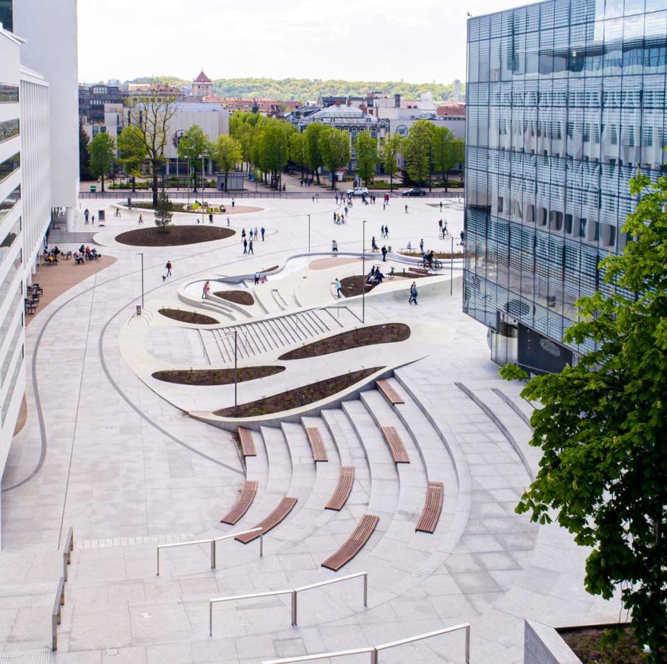 """a:2:{s:2:""""lt"""";s:131:""""BLC daugiafunkcinis verslo centras Kaune – į žmogų ir jo gerovę orientuoti biurai. A klasės biurai - verslo centras - Kaune."""";s:2:""""en"""";s:94:""""BLC multifunctional business centre in Kaunas – offices designed for the wellbeing of people"""""""